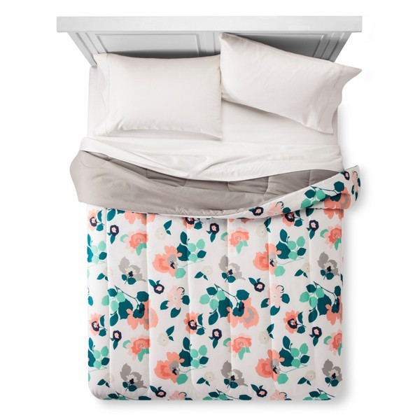Room Essentials Comforters product image