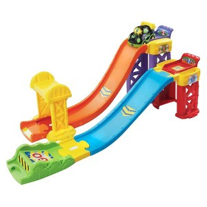 2-in-1 Launch & Play Raceway
